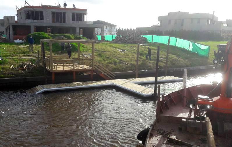 construccion-marina-muelle-flotante-en-rio