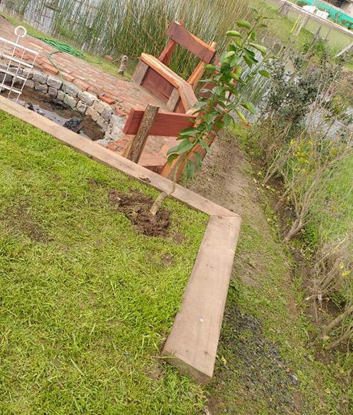tablestacado-madera-en-parque