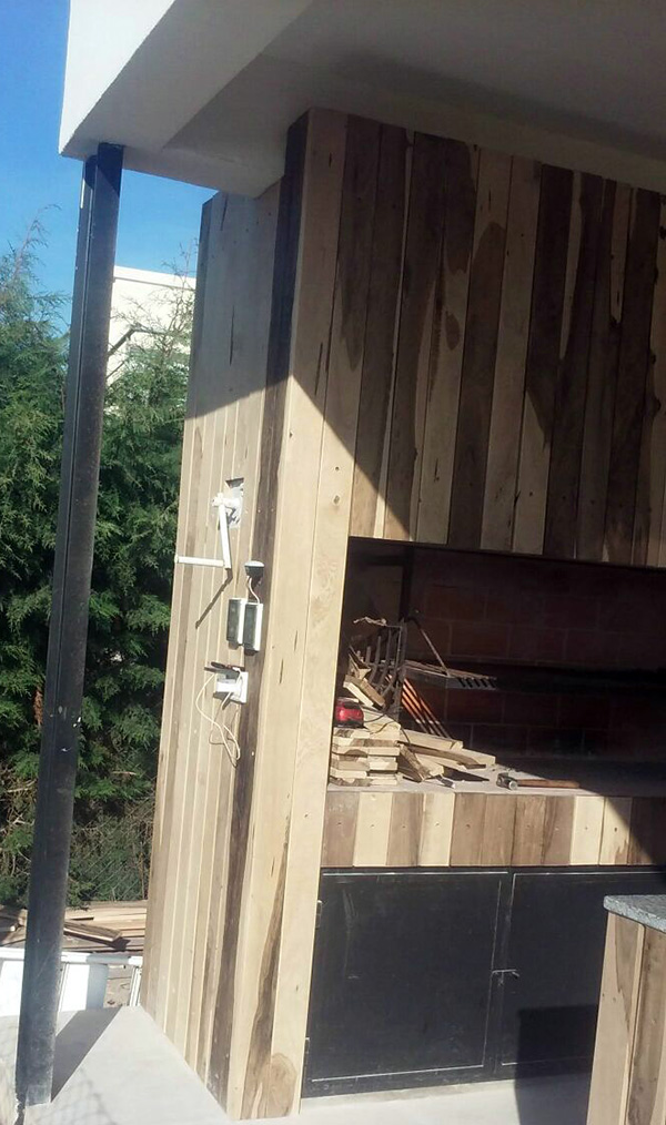 revestimiento-de-parilla-en-deck-madera