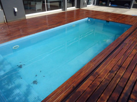 Deck en solado piscina